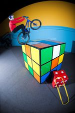 DannyMacAskill_Imaginate_3_tap_off_rubix