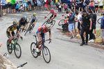 Auf dem Collado Bermejo ging Nibali in die Offensive und griff an. Dank seiner Abfahrtskünste schaffte der Italiener isch einen Vorsprung. (Foto: Sirotti)