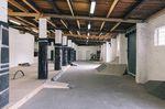Die ersten Obstacles in der neuen Streethalle auf dem Gelände der Gleis D Skatehalle in Hannover stehen schon