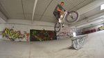 Während ihres Besuchs in Leipzig sind die Jungs von SIBMX unter anderem einen DIY-Spot in einem stillgelegten Baumarkt gefahren. Mehr dazu in diesem Video.