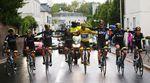 Das Team Sky bei der Zieleinfahrt der Tour de France 2015! Mitten drin - natürlich Chris Froome, der Gewinner der Tour de France 2015.
