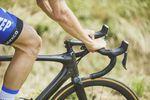 Specialized hat das Roubaix für 2017 quasi neu erfunden. Eine der interessantesten Innovationen ist die Future-Shock-Federung an der Front. (Foto: BrakeThrough Media)