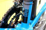 Das Kinesis Racelight 4S Disc ist ein erschwingliches Bike für den ganzjährigen Einsatz. 4S steht für vier Jahreszeiten (Four Seasons). Es eignet sich also sowohl für sportliche Einsätze im Sommer als auch für das Wintertraining. (Foto: George Scott / Factory Media)