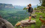"""Lena fotografiert den grünen """"Grand Canyon"""" Guineas in Douki"""