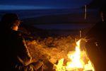 Lagerfeuerromatink irgendwo an der Küste von Oregon