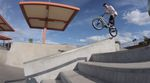Garrett Reynolds, Chad Kerley, Dennis Enarson und Felix Prangenberg vom Nike-BMX-Team zerlegen in diesem Video zwei Betonparks in der Wüste von Nevada.