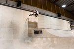 BMX-Pro Sergio Layos in der Skatehalle Innsbruck