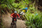 Das Rocky Mountain Reaper in Aktion: Jacob Jewett folgt seinem Bruder Dane auf einem Trail