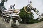 Ben Lewis kann Feebs Hard 360s selbst an übertighten Spots mit geschlossen Augen; Foto: Fred Murray/digbmx.com