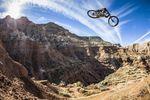 Brandon Semenuk practices his line at Red Bull Rampage in Virgin, Utah; Foto: Garth Milan/Red Bull Content Pool