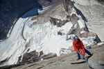 David-Lama-hanging-on-the-last-pitch-of-Cerro-Torre_Copyright-Lincoln-Else-RedBullContentPool