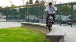 Gönnung! In diesem Video, das Jacob Cable auf den Straßen von Kalifornien für Odyssey gefilmt hat, wimmelt es nur so vor aberwitzigen Balanceübungen!