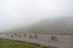Es war ein nebelverhangendes Ende einer harten Etappe in den Bergen. (Foto: Sirotti)