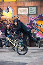 Viki Gomez, Crossfooted Upside Down Wheelie