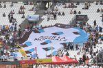 Die französischen Fans machen im Marseille Stade Velodrome Stimmung. Vielleicht war das die Motivation, die Bardet zur rettenden Sekunde verhalf. (Foto: Sirotti)