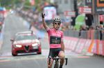 Simon Yates (Mitchelton-Scott) erzielte mit seinem dritten Tagessieg auf der 15. Etappe des 101. Giro d