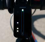 Garmin Varia Fahrradradar – Anzeigeeinheit: Grünes Licht bedeutet, dass sich im Moment kein Fahrzeug von hinten nähert.