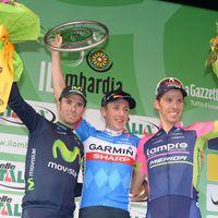 Martin steht mit der aktuellen Nummer 1 und einem ehemaligen Weltmeister auf dem Podium. (Foto: Sirotti)