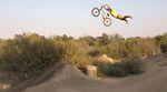 """Wenn Mike """"Hucker"""" Clark aufs Rad steigt, ist immer beste Unterhaltung angesagt! Hier ist sein neues Video für Demolition Parts."""