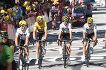 Geraint Thomas (Team Sky) blieb im Sturz in den letzten drei Kilometern unbeschadet und bleibt weiter in gelb. (Bild: Sirotti)