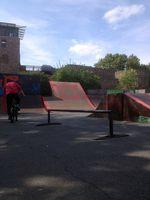 Chefwaxflatrail und dezentes -branding im Skatepark an der Darmstädter Stadtmauer