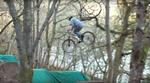 Im diesem Video von der Porous Crew aus Schottland knöpft sich Greg Williamson seine Localtrails im spätherbstlichen Inverness vor.