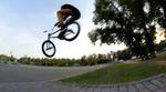 Pegs to Whip?! Der 13jährige Pavel Parfenchuk hat für sein Alter viel zu viel Radkontrolle, was ihm einen Platz im Flowteam von Stress BMX eingebracht hat.