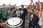 So sieht wahre Freude aus: Christian Heger weniger Augenblicke nach seinem Blitzsieg im Armdrücken gegen Daniel Tünte beim Summer Clash 2013 in Köln. Foto: der unvergleichliche xmx
