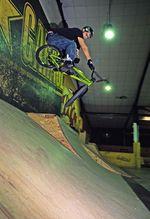 Timm Wiegmann Fakie T-Bog in der Skatehalle Aurich (2006)