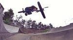 Zu Besuch im ältesten respektive neusten Skatepark von Großbritannien: Jack Clark zerlegt für dieses Video sowohl die Rampen von Romford als auch Legacy XS.