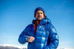 Trailrunning in den Bergen mit Berghaus Extrem Ramche Herren Jacke in blau