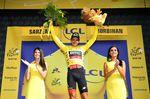 Greg Van Avermaet kam mit den Sprintern in das Ziel und bleibt weiterhin in der Führung des Gesamtklassement. Der Belgier trägt weiterhin das gelbe Trikot. (Foto: © ASO)