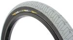 Einen leichteren BMX-Reifen als den KHEbikes MAC2+ wirst du nicht finden. Stabil, griffig, schnell und günstig ist er noch obendrein. Mehr dazu hier.
