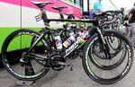 2013 gewann Rui Costa sensationell die Tour de Swiss, zwei Etappen der Tour de France und natürlich den Weltmeistertitel. Logischerweise spendierte Merida dem Weltmeister auf der Tour de France 2014 eine in Regenbogenfarben gehüllte Maschine.