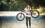 Lara Lessmann ist neu im Team von Total BMX. Für diesen Bikecheck haben wir das Rad der Vizeweltmeisterin genauer unter die Lupe genommen.