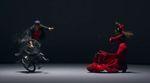 Gibt es Gemeinsamkeiten zwischen BMX und Tanz? Viki Gomez und Lidon Patiño scheinen diese Meinung zu vertreten und bitten zum Flatland Flamenco.