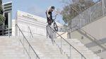 """In Folge 20 der """"Saturday Selects""""-Reihe von Kink BMX attackiert Dan Coller ein paar amtliche Handrails. Hier geht"""