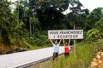 Bei der Überqueerung des Äquators   Foto: Steve Lorimer/OverAfrica