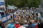 Die Starts beim Cyclo-Cross sind schnell und hektisch. Zwar wird man aufgrund eines besonders guten Auftaktes noch kein Rennen gewinnen, verläuft der Start aber schlecht, könnten die Chancen auf den Sieg schon recht früh dahin sein. (Foto: Balint Hamvas)