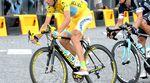 Für seine Zieleinfahrt bekam Vincenzo Nibali (Astana) ein spezielles farblich zum Tour-Sieger passendes Specialized S-Works Tarmac. Das war aber nicht sein einziges spezielles Bike.