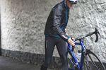 Um bestens durch die kalte Jahreszeit zu kommen, lassen viele Fahrer ihr Sommerrennrad die kalten Monate im Trockenen stehen und greifen stattdessen auf ihr Winterbike zurück.