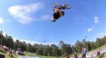 Triple Backflips, Aussie Rolls und sogar ein Double Backflip Tailwhip: Brandon Schmidt feuert in seinem Welcome-Edit für KHEbikes aus allen Rohren!