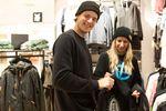 Der neue Blue Tomato Shop im ALEXA Shopping Center bietet alles rund ums Surfen, Skaten und Snowboarden, dazu trendige Streetwear, Schuhe und Accessoires.