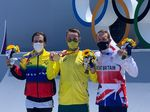 """Die Gewinner des """"BMX Freestyle Park""""-Wettkampfs sind (vl.l.n.r.): Daniel Dhers (2.), Logan Martin (1.), Declan Brooks (3.)"""