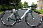 Mark Cavendish startete als einer der großen Favoriten in die Tour 2014. Er schied allerdings sehr früh nach einem Sturz aus. Dadurch kam sein S-Works Venge nicht mehr zum Einsatz.