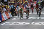 7. Etappe - Matteo Trentin (Omega Pharma-QuickStep) siegt im Fotofinish um Haaresbreite gegen Peter Sagan. (Foto: Sirotti)