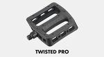 Größer, flacher, mehr Innenwölbung: Travis Hughes und Jacob Cable testen in diesem Promovideo die neuen Odyssey Twisted Pro Pedale auf freier Wildbahn.