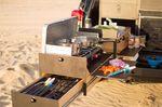 Die Küche bietet ein dreistöckiges Schubladen-System – Credit: Scout Equipment