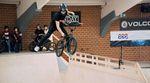 Mit Lizenz auf Punktejagd: Wir haben ein Video und eine kleine Gallery vom UCI-BMX-Freestyle-Contest in der Backyard Skatehalle Oldenburg für euch.