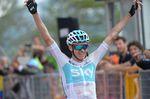 Chris Froome (Team Sky) siegt nach einer 80 Kilometer Einzelfahrt auf der 19. Etappe des Giro